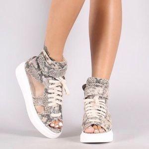 Trendy Snakeskin Peep Toe Sneakers